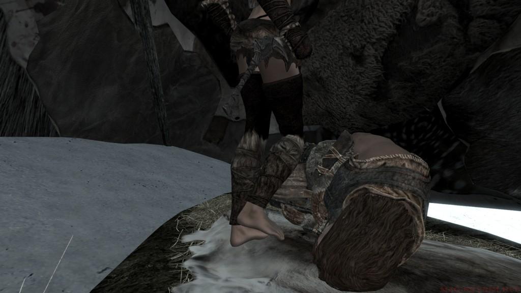 Зашла, а ворон спит на узкой шкуре